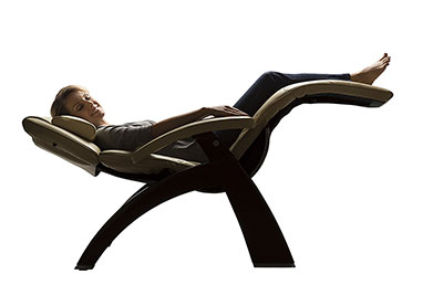 Attirant Indoor Zero Gravity Chair